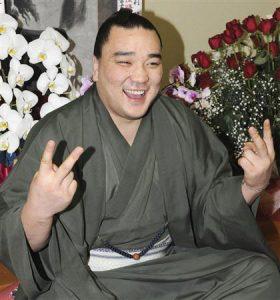日馬富士 嫁 国籍 日本人 酒癖 引退