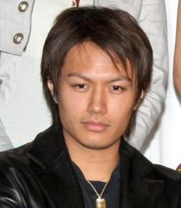 矢田亜希子 現在 彼氏 木村 再婚 背中 タトゥー 画像